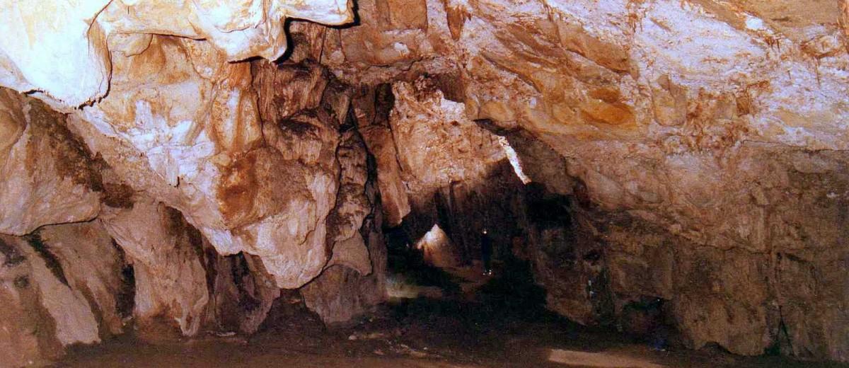 Ingreso a la Caverna de las Brujas