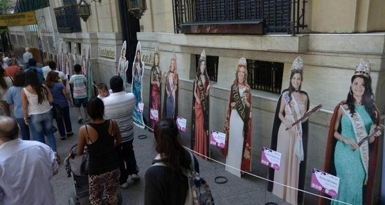 Gigantografías de las Reinas de la Vendimia