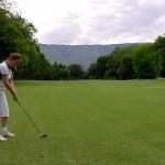 Jugando golf en Malargüe