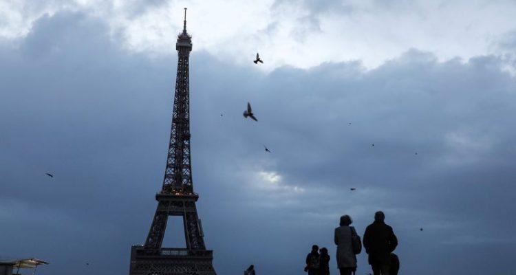 París reabre la Torre Eiffel tras su prolongado cierre por el coronavirus