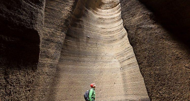 Es uno de los pocos volcanes que puede visitarse por dentro y está en Mendoza, Fascinante