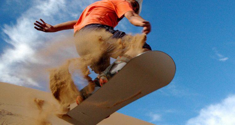 Sandboard en el desierto del Nihuil