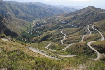 Reserva Villavicencio: la ruta de las 365 curvas
