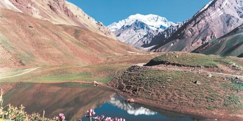 Alta Montaña: Aconcagua y Laguna de Horcones