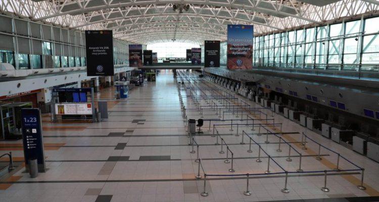 Crecen los reclamos por vuelos y reservas de hoteles cancelados